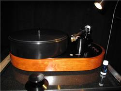 AMG Viella V12 Turntable